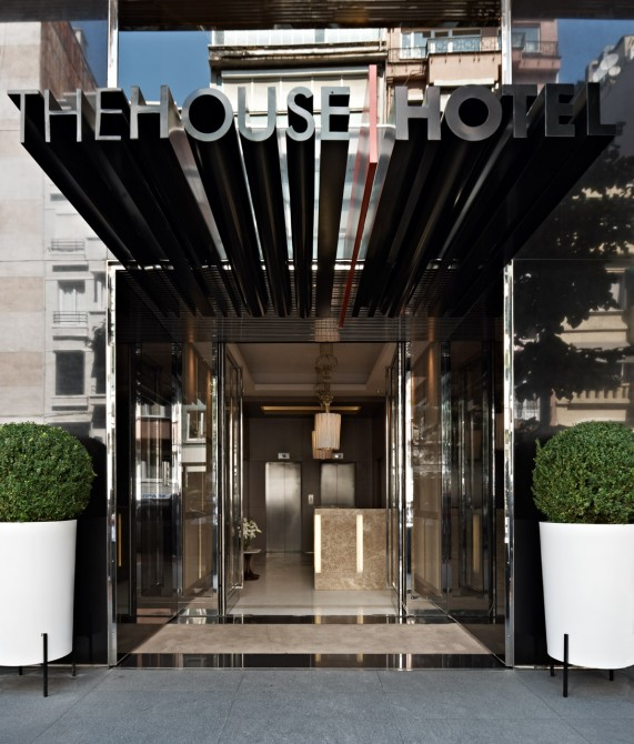 The house hotel nisantasi istanbul turkey design hotels for Hotel entrance decor